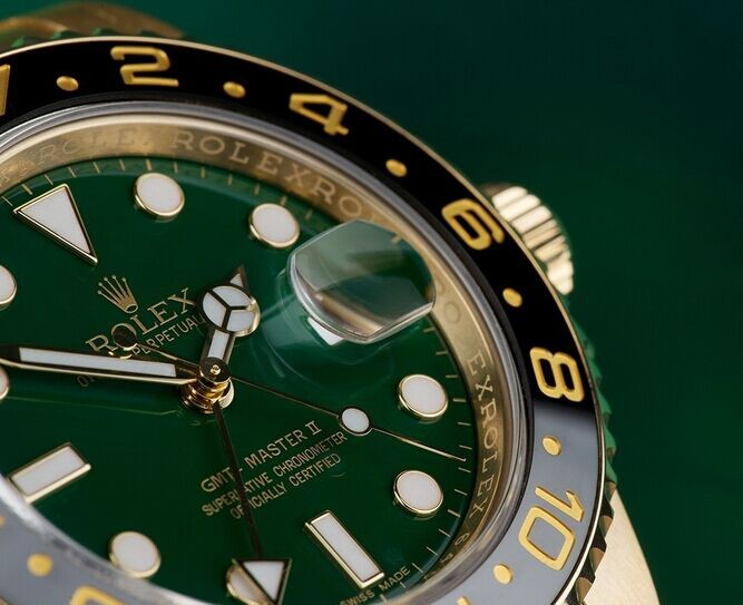 Rolex GMT-Master II 116718LN Swiss Automatic Green Dial Full Gold