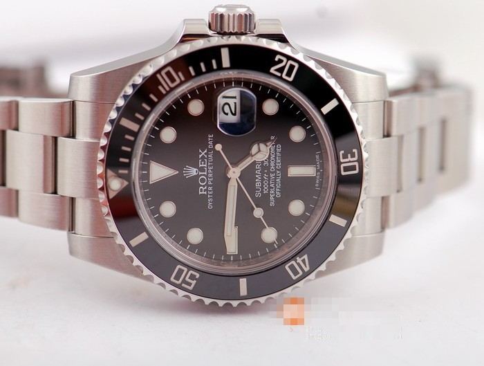 ROLEX SUBMARINER DATE AUTOMATIC WATCH CERAMIC BLACK DIAL